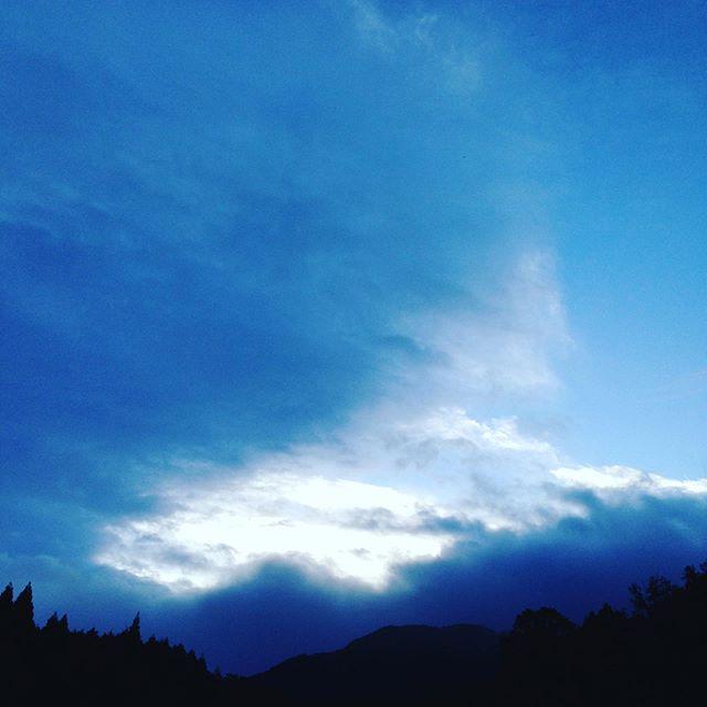 昨日は、かなりまとまった雨が降ってましたが、朝は曇りからの朝一です!また台風20号の進路が不気味です。