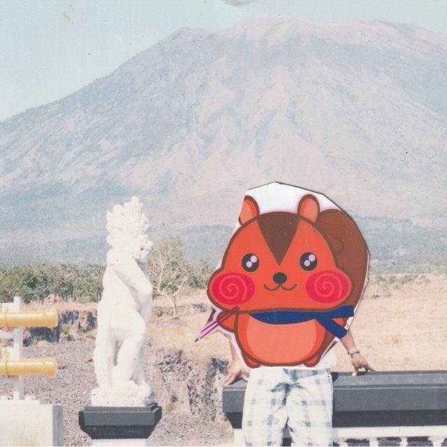 お米の生産世界3位タピオカはブームになったキャッサバ、トウモロコシが主要農作物のインドネシアです!私の知人はショウガをここバリ島で作ってます!2019年5月この3014メートルのアグン山が噴火したことは知る人も多いと思います。この地域には、天然のアオイ目パンヤ科広葉樹のバルサも取れます!そうです夏休みの宿題で工作に使ったことある人も居ると思います!北部のイエサニにたくさん現地の知り合いが居るので行った時の噴火前に撮影しました。