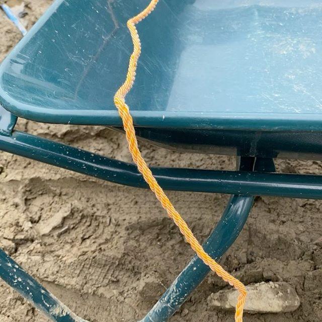 トラックの荷物、荷崩れ防止、ハウス等のビニールを張る時に使うと便利な縛り方